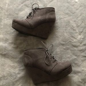 Soda Shoes Gray Wedge